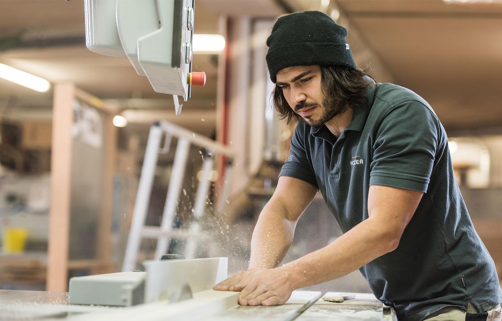 Jobs schreinerei holzer for Raumgestaltung jobs